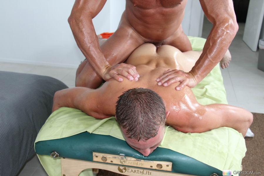 Поно гей массаж