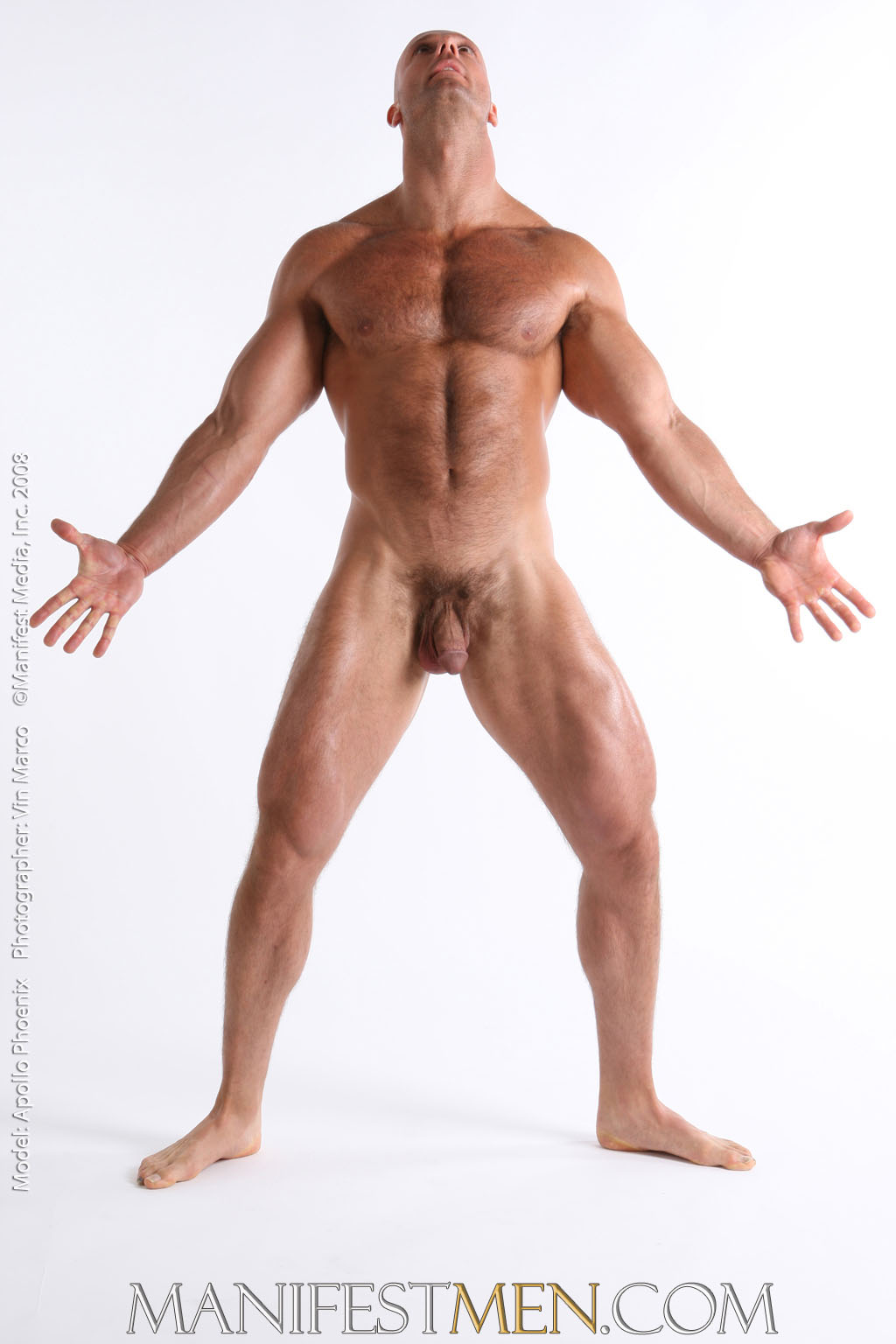 Huge Bodybuilder Poses In The Nude