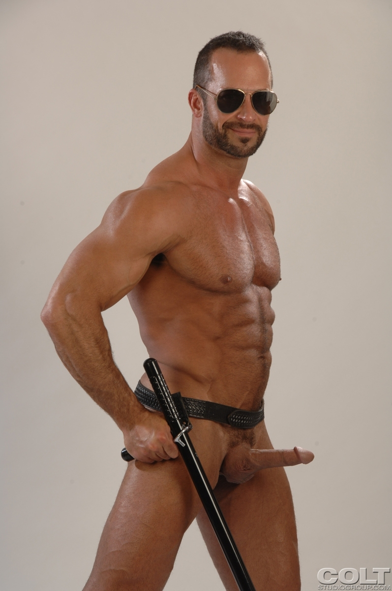Join naked men in policeuniform have hit